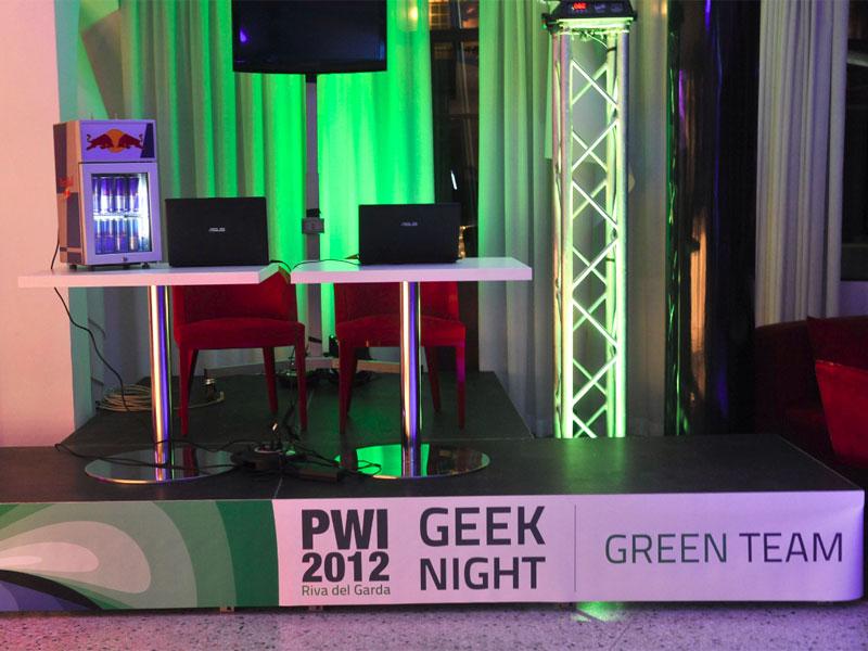 PWI_allestimento_geek_night_team_verde